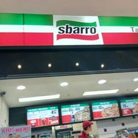 Photo taken at Sbarro by Yusuf Z. on 5/14/2016