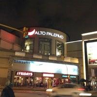 Foto tomada en Alto Palermo Shopping por JR S. el 11/25/2012