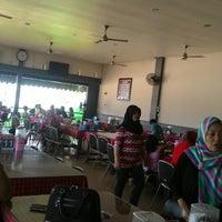 Photo taken at RM Tepian Pandan Tenggarong | Kutai Kartanegara by Henry U. on 12/28/2015