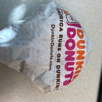 Photo taken at Dunkin Donuts by Yoo Sun S. on 11/16/2017