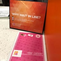 Photo taken at Dunkin Donuts by Yoo Sun S. on 11/29/2017