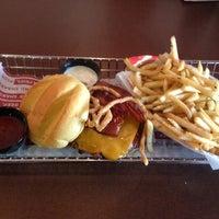 Photo taken at Smashburger by Yoo Sun S. on 11/14/2012