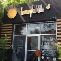 Foto tomada en Honey Bubble por Yoo Sun S. el 6/16/2013