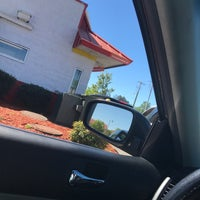 Photo taken at McDonald's by Fee on 4/6/2017