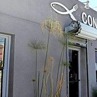 Foto tirada no(a) Coni'seafood por Los Angeles Times em 6/7/2013