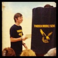 6/17/2013 tarihinde Traci C.ziyaretçi tarafından Thoreau Middle School'de çekilen fotoğraf
