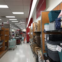 Photo taken at T.J. Maxx by Mô Justine on 6/1/2017