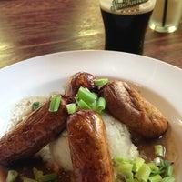 7/26/2013 tarihinde Kathleen R.ziyaretçi tarafından Claddagh Irish Pub'de çekilen fotoğraf