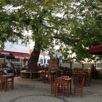 4/28/2013 tarihinde İpekziyaretçi tarafından Çınaraltı Cafe'de çekilen fotoğraf