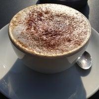 4/24/2013 tarihinde İpekziyaretçi tarafından Caffè Nero'de çekilen fotoğraf