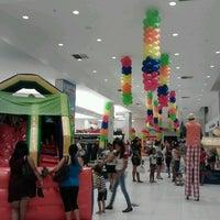Foto tirada no(a) Pintos Shopping por Bruno F. em 10/4/2012