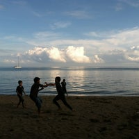 Photo taken at Pantai Lovina (Lovina Beach) by febriawan on 5/19/2013