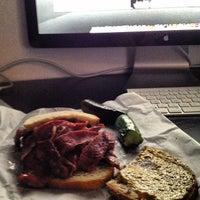 10/9/2012에 Will E.님이 Ben's Kosher Delicatessen에서 찍은 사진