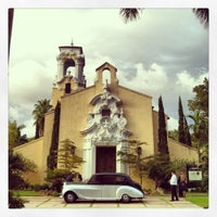 Photo taken at Coral Gables Congregational Church by TEC I. on 11/17/2013