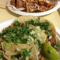 Foto tomada en JV's Mexican Food por Ray M. el 2/10/2013