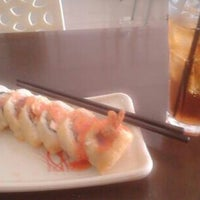 Photo taken at Sushi Donbouri by Citra D. on 4/16/2014