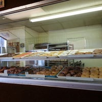 Photo taken at Tastee  Donuts by Prometeus S. on 9/10/2014