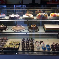 Photo taken at Yes Cake & Bakery by Inafsa U. on 2/20/2016