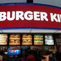 Foto tomada en Burger King por AlberTux S. el 5/26/2013