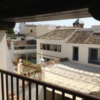 Foto scattata a Las Casas De La Juderia Hotel Cordoba da Eduardo S. il 7/2/2013