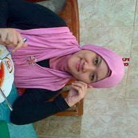 Photo taken at Rumah Makan Lintong by Amy L. on 3/10/2013