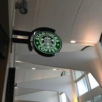 Photo taken at Starbucks by IngenieroDavid on 4/7/2013