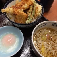 Photo taken at 天丼てんや 葛西駅前店 by はる on 11/25/2016