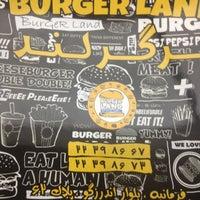 Foto tomada en Burger Land | برگرلند por Reza H. el 5/21/2013