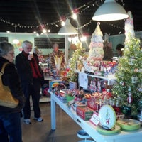 Photo taken at Honey's Vintage Sweets by Abigail Y. on 11/24/2012