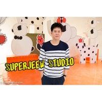 Photo taken at Superjeew Studio by Nueng P. on 10/5/2014