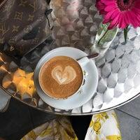 Das Foto wurde bei Kessel's Espresso Studio von Heba . am 8/30/2017 aufgenommen