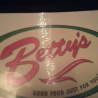 Photo taken at Betty's Restaurant by Afshar Y. on 2/21/2013