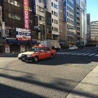 Photo taken at 馬喰町一丁目 交差点 by zeroweb_boss on 5/11/2016
