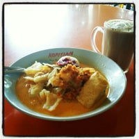 Photo taken at Mr Rawon Family Restaurant by Apai F. on 5/3/2014