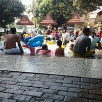 รูปภาพถ่ายที่ Kolam Renang Gelanggang Sunter โดย surya d. เมื่อ 3/12/2013
