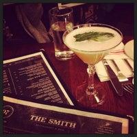 12/16/2012 tarihinde Anastasiya K.ziyaretçi tarafından The Smith'de çekilen fotoğraf