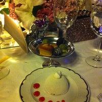 Foto tirada no(a) Laledan Restaurant por Mustafa Ş. em 7/19/2013