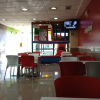 Photo taken at Telepizza by Fernando M. on 6/14/2013