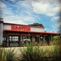 Photo taken at Hooters by Gyan on 5/31/2013