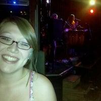 รูปภาพถ่ายที่ Darwin's Pub โดย Brad M. เมื่อ 9/21/2012