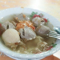 Photo taken at Bakso Solo & Es Teler by Aniet N. on 9/2/2014