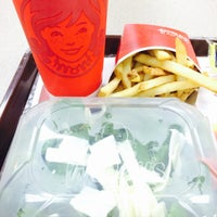 Photo taken at Wendy's by Alzaen on 4/11/2014