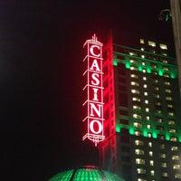 Foto diambil di Niagara Fallsview Casino Resort oleh Joon pada 4/1/2013