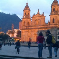 Foto tomada en Plaza de Bolívar por Guandis M. el 2/21/2013