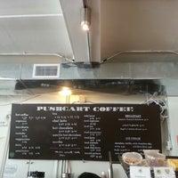 Снимок сделан в Pushcart Coffee пользователем Ladymay 3/23/2013