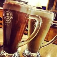 Photo taken at The Coffee Bean & Tea Leaf by Ömer T. on 10/23/2013