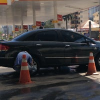 Photo taken at Shell Select by Alexandre A. on 9/30/2012