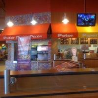 12/14/2012にAlberto L.がPeter Piper Pizzaで撮った写真