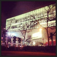 Foto scattata a Alice Tully Hall at Lincoln Center da Stephanie P. il 2/12/2013
