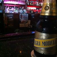 Foto tomada en Legends Sports Bar & Grill por Paco H. el 3/30/2013